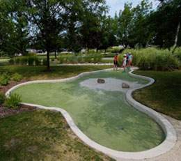 All MOTHERS are FREE to play MINI GOLF this Sunday!
